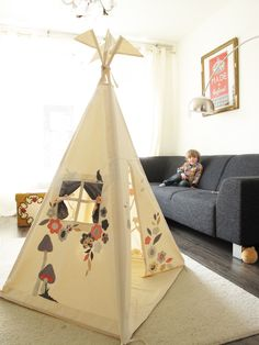 "Moozlehome.com teepee ""enchanted"" blogged at kidsteepeetent.com"