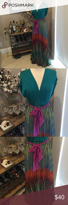 "Perfect party maxi dress Gorgeous excellent condition flowing colorful maxi dress! Perfect summer party dress! I'm 5'8"" and the dress cascades to the floor. Dresses Maxi"