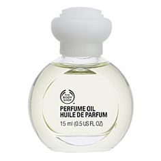 This is my perfume exactly! My friends tell me I smell yummy when I wear it. The Body Shop Vanilla Perfume Oil: A warm, sweet and velvety vanilla fragrance, suitable for women who enjoy wearing warm, irresistible scents. Gardenia Perfume, Musk Perfume, Perfume Oils, Perfume Bottles, The Body Shop, Musk Oil, Vanilla Oil, Vanilla Perfume, Shops