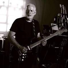 Guitar legend aging gracefully