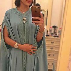 Morrocan Dress, Moroccan Caftan, Moroccan Style, Abaya Fashion, Muslim Fashion, Fashion Outfits, Latest African Fashion Dresses, African Print Fashion, Dubai Fashionista