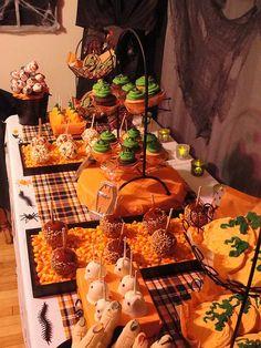 halloween sideboard | Halloween Dessert Buffet