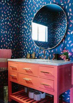 Make A Statement - Inside The Brady Bunch Chic Home Of Claire Thomas - Photos