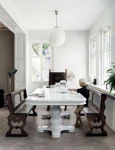 Aujourd'hui on visite la maison suedoise  de la décoratrice d'intérieur  Malin Persson , son mari italien Damiano et leurs trois enfants. En...