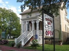 Great and interesting places (with a history) to eat in Kansas.