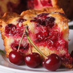 Here is an easy recipe for a cherry cake. Serve as is or with a scoop of vanilla ice cream. Cherry Desserts, Cherry Recipes, Köstliche Desserts, Sweet Recipes, Cake Recipes, Dessert Recipes, Easy Cherry Cake Recipe, Food Cakes, Cupcake Cakes