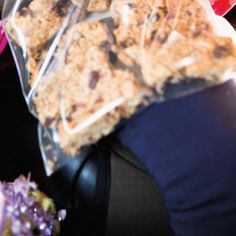 Chewy Oat and Nut Bars Barre Energie, Ricardo Recipe, Nut Bar, Rolled Oats, Dried Fruit, Granola, Biscuits, Oatmeal, Ice Cream