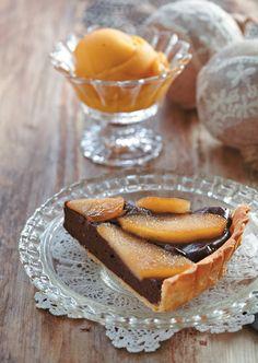 Μια τάρτα με βελούδινη σοκολατένια γέμιση πραγματική απόλαυση που θα κάνει την καλύτερη παρέα στον πρωινό σας καφέ.