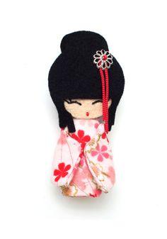 oriental long hair with bun Momiji Doll, Kokeshi Dolls, Matryoshka Doll, Precious Moments Dolls, Asian Doll, Felt Brooch, Doll Maker, Sewing Toys, Felt Toys