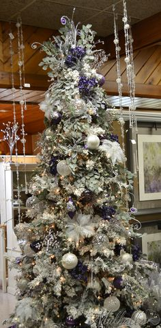 Cristhmas Tree Decorations Ideas : Frosted Purple & White Christmas Tree pinned by Ton van der Veer White Christmas Tree Decorations, Frosted Christmas Tree, Beautiful Christmas Trees, Elegant Christmas, Noel Christmas, Christmas Wreaths, Christmas Ornaments, Purple Christmas Tree, Christmas Tables