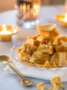 Honeycomb - Hunajamakeiset (Ve) Homemade Candies, Homemade Gifts, Most Delicious Recipe, Sweet And Salty, Something Sweet, Cake Art, Honeycomb, Nom Nom, Yummy Food