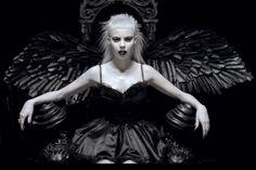 "DIE ANTWOORD: Marilyn Manson, Jack Black, Flea e molti altri nel singolo ""Ugly boy"" [VIDEO]"