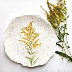 "Купить Тарелка ""Метелка"" - желтый, тарелка, керамическая тарелка, подарок, фаянс, глазури по керамике"