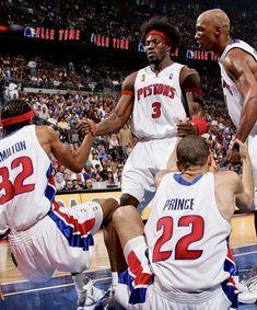 Detroit Basketball, Detroit Sports, Basketball Players, Sports Illustrated Covers, Nba League, Nba Wallpapers, Basketball Leagues, Ole Miss, Detroit Pistons