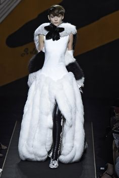 The Best Gowns From Paris Couture Week  - ELLE.com - Fendi (=)