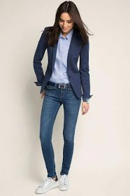 Dear stylist: I need a fitted blazer for tall women with long arms. Usually blazer arm lengths are too short. - 36 The Best Blazer Outfits Ideas For Women Best Blazer, Look Blazer, Fall Blazer, Summer Blazer, Mode Outfits, Jean Outfits, Fashion Outfits, Blazer Fashion, Chic Outfits