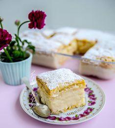"""2,803 gilla-markeringar, 156 kommentarer - Zeina Mourtada (@zeinaskitchen) på Instagram: """"Krempita- fluffig och krämig vaniljkaka med frasig smördeg😍 Underbar kaka från Balkan👌 Recept med…"""""""