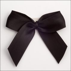MOÑOS NEGROS DE LUTO Satin Bows, Ribbon Bows, Decorative Bows, Easter Outfit, Scrapbook Embellishments, Black Satin, Black Bows, Wedding Favours, How To Make Bows