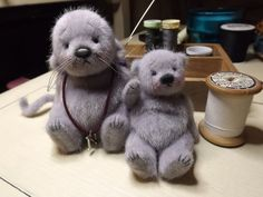Baby Rumpole and Nibbles - Barney Bears Boutique Paper Mache Animals, Felt Animals, Tedy Bear, Bear Gallery, Mini Teddy Bears, Tiny Teddies, Crochet Teddy, Crochet Toys, Christmas Teddy Bear