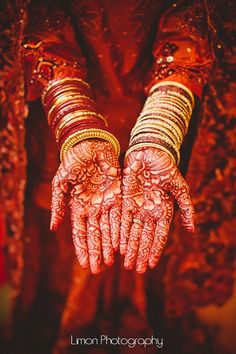 #Beautiful #Indian #Bangles #Style for the #Bride #ColorfulBangles #bangles #mehndi #henna