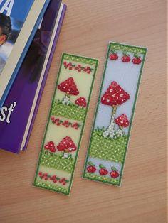 7mimmi / muchotrávkové záložky Cross Stitch Bookmarks, Cross Stitch Books, Cross Stitch Patterns, Stitch 2, Needlepoint, Needlework, Templates, Embroidery, Holiday Decor