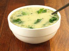 Włoska zupa brokułowa: Przygotowanie: 30 min Gotowanie: ok. 1 godz. Porcja: 100 kcal