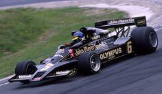 Podczas tragicznego wyścigu na Monza Peterson zasiadł za kierownicą ubiegłorocznego modelu Lotusa 78.