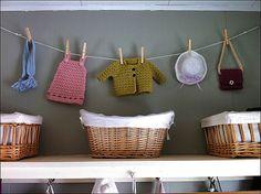 Ravelry: Mini Ornament Wall Hanging pattern by Pierrot (Gosyo Co. Crochet Bunting, Crochet Garland, Crochet Cushions, Crochet Flowers, Crochet Cord, Crochet Baby, Crochet Symbols, Crochet Patterns, Crochet Crafts