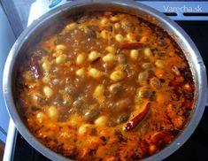 Pri hľadaní na internete som na jednej anglicky hovoriacej stranke našiel recept na mexickú chilli fazulu, uvaril som a bola vynikajúca, tak vyskúšajte.