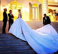 Now that's a #weddingdress train! via @wedswag @nelliediamond #weddinggown #wedding #bride #love #ido