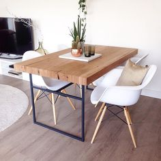 HELLO NEW TABLE #interior #home #dining #table #house #interiør #futniture #wood #eames #industrial #design #denbosch #interior4all #interiors by dutchguy84