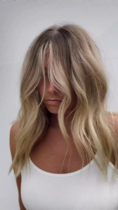 Blonde Hair Looks, Blonde Hair For Winter, Dying Hair Blonde, Beachy Blonde Hair, Hair Color And Cut, Blond Hair Colors, Blonde Fall Hair Color, Sandy Hair Color, Balayage Hair