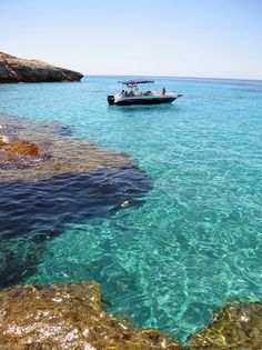 Menorca en Barco Wonderful Places, Beautiful Places, Ibiza Formentera, Future Travel, Beach Trip, Trip Planning, Travel Photos, Blue Gin, Trip Advisor