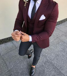 Best formal suits for men in business Top formal suits men prom Formal suits for men in black Looks Adidas, Stylish Men, Men Casual, Blazer Outfits Men, Designer Suits For Men, Formal Suits, Men's Formal Wear, Men's Suits, Mode Masculine