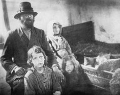 WW1  Polish refugees during the Great Retreat.  Ordered to evacuate Poland, civilians had to leave their homes and possessions behind, to face homelessness, starvation, and an uncertain future.