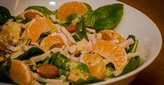 Cuisine-à-Vous: Slaatje van jonge bladspinazie, gerookte kip en mandarijn