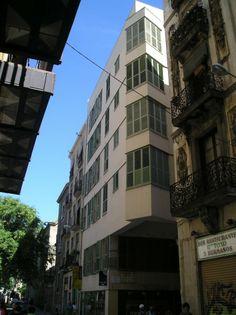 Edificio de vivienda en Raval, Josep Llinas, Barcelona, 1995