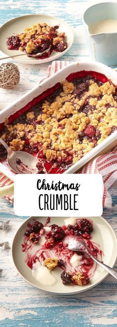 crumble with berries and vanilla sauce , . Christmas crumble with berries and vanilla sauce , Christmas crumble with berries and vanilla sauce , Mini Desserts, Fall Desserts, Christmas Desserts, Christmas Berries, Christmas Post, Christmas Fashion, Christmas Recipes, Easy Smoothie Recipes, Dessert Recipes