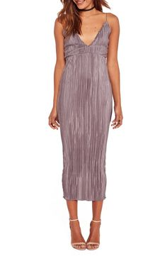This romantic body-con midi dress is made up of delicate plisse pleats in light-reflecting fabric