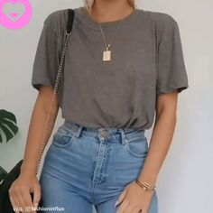 Here is Bralette Outfit Ideas Collection for you. Bralette Outfit Ideas bralette outfits ideas how to style a bralette. Vetement Fashion, Mode Streetwear, Streetwear Fashion, Cute Casual Outfits, Trendy Outfits For Teens, Popular Outfits, Sporty Outfits, Teenager Outfits, Pullover