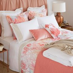 Afbeeldingsresultaat voor beddengoed zara home Zara Home Bedroom, Gold Bedroom, Coral Bedroom Decor, Bedroom Modern, Coastal Bedrooms, Guest Bedrooms, Interior Design Living Room, Living Room Designs, Bedroom Decor
