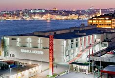 Istanbul Modern, Istanbul - The Istanbul Museum of Modern Art, Turkey's first private museum to organize modern and contemporary art exhibitions, was founded in 2004 and occupies an 8,000 square meter site on the shores of the Bosphorus