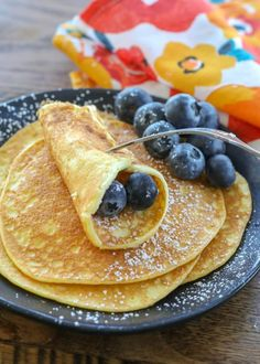 More crepe than traditional fluffy pancake, we love these delicate cream cheese . - More crepe than traditional fluffy pancake, we love these delicate cream cheese - Sweet Breakfast, Low Carb Breakfast, Breakfast Recipes, Breakfast Ideas, Breakfast Platter, Recipes Dinner, Cream Cheese Pancakes, Cream Cheese Recipes, Pancakes Weight Watchers