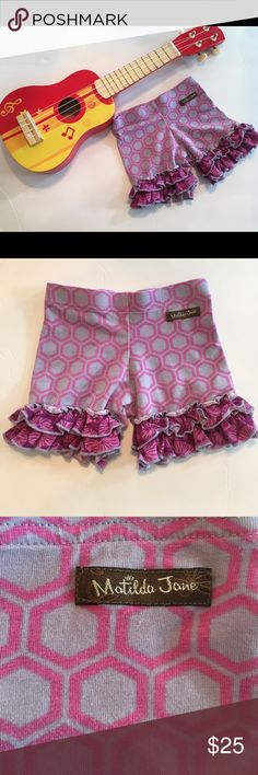 "MATILDA JANE Ruffled Print Shorts Great condition! Adorable Matilda Jane ""shorties"".       Size: 2. These are seriously the cutest Shorts ever. This one was my favorite print. Matilda Jane Bottoms Shorts"