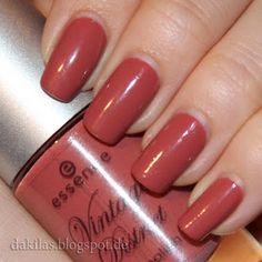 Dakila´s NailBlog - Essence Vintage District LE - Antique Pink