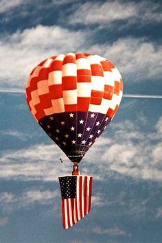 Albuquerque International Balloon Fiesta Air Balloon Rides, Hot Air Balloon, Balloon Race, Albuquerque Balloon Fiesta, Air Ballon, Land Of Enchantment, Blue Balloons, Old Glory, Beautiful Cats