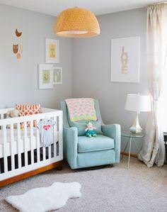baby kinderzimmer dekoideen warme farben gelbe pendelleuchte