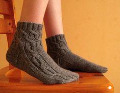 Ravelry: Kirsikkatie pattern by Hanna-Kaisa Hämäläinen Yarn Colors, One Color, Colour, Knitting Socks, Ravelry, Slippers, Crochet, Pattern, English Translation
