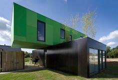 Tendance construction en container, les avantages et les inconvénients : #maison #container http://www.novoceram.fr/blog/architecture/construction-maison-container