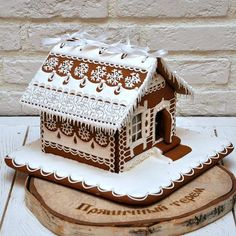Gingerbread House Frosting, Gingerbread House Designs, Christmas Gingerbread House, Christmas Home, Gingerbread Cookies, Dutch House, Cookie House, Xmas Food, Holiday Crafts